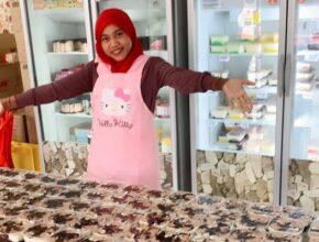Borak Tepi bersama Azlina Ina, Usahawan Kek Viral